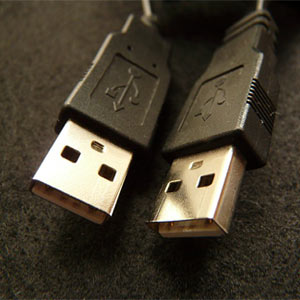 2 ends of usb cables